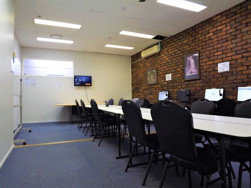 PROFESSIONAL OFFICE/RETAIL SPACE WITH GREAT EXPOSURE AND PARKING