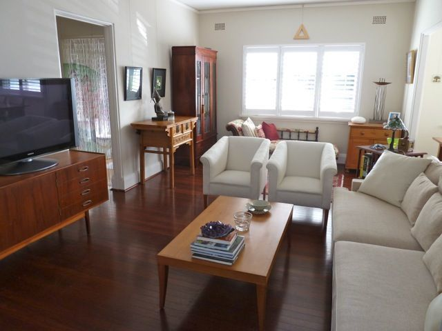 STUNNING FULLY FURNISHED APARTMENT, RIGHT IN THE HEART OF COOGEE!