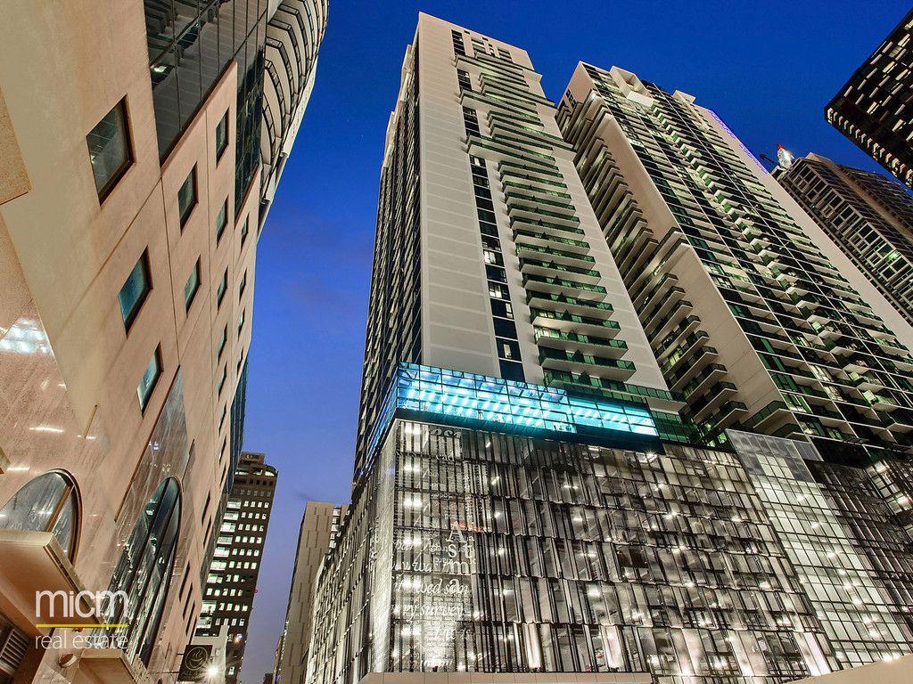Australis: 34th Floor - Enjoy Melbourne Inner City Lifestyle!