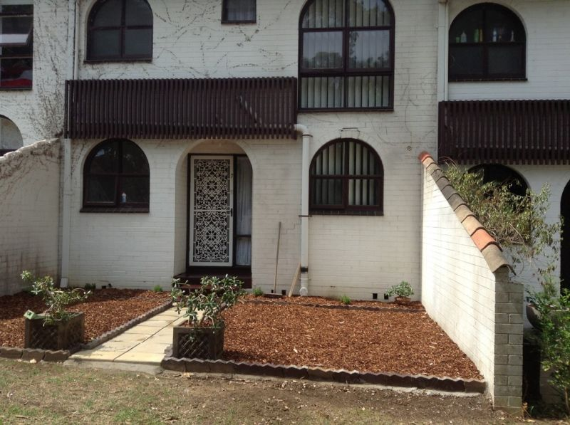 Lovely 3 Bed Townhouse