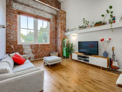 2 Bedroom Loft Style Apartment in McTaggarts Place