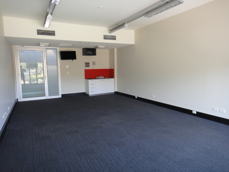 Great Little Suite in Lifestyle Working Building
