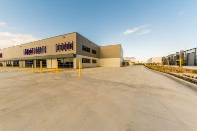 Brand new tilt panel office warehouse, cnr street frontage