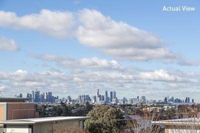 Breathtaking View Over The Maribyrnong River To The Stunning City Skyline.