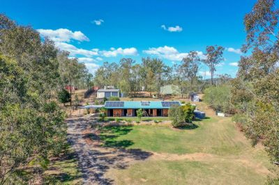 DUAL LIVING OPPORTUNITY – MULTIPLE SHEDS – COUNTRY LIVING –  JUST 10 MINUTES FROM IPSWICH