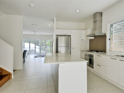 SPACIOUS FAMILY TOWNHOUSE LOCATED IN PADDINGTON!