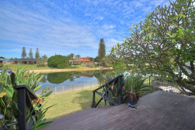 Spectacular Family Entertainer on the Waterfront
