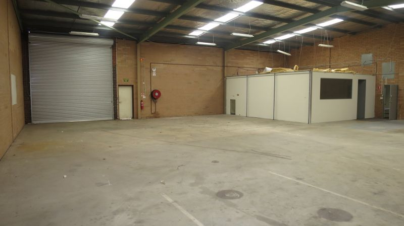 HIGH EXPOSURE OFFICE – WAREHOUSE AT BARGAIN RATE