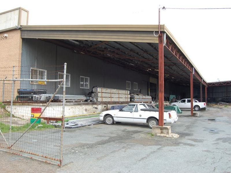 Freestanding Factory + Yard space