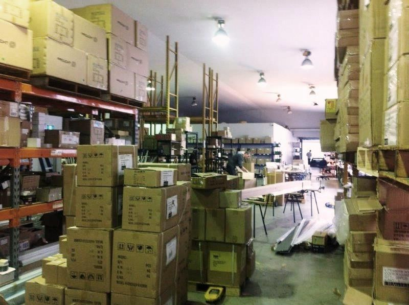 QUALITY WAREHOUSE: BUDGET PRICE!