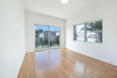 DESIGNER TWO BEDROOM APARTMENT IN AMAZING BONDI BEACH LOCATION