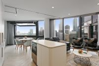 LUXURY LIVING IN THE TOWERS AT ELIZABETH QUAY!
