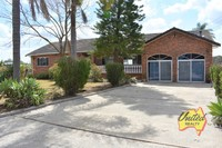 LARGE 4 BEDROOM HOME WITH IN-LAW ACCOMMODATION