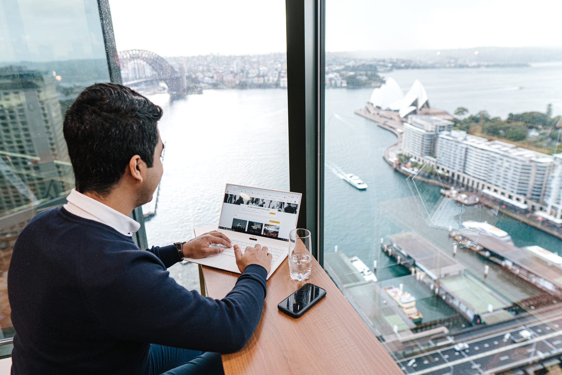 Private 3-person office with outstanding views over Sydney's Skyline