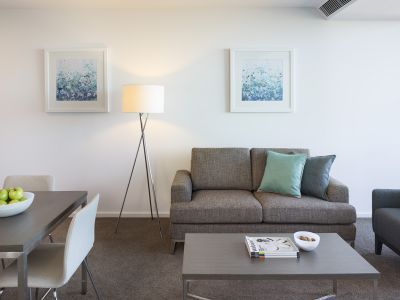 Southbank Grand: Stunning Two Bedroom Apartment in a Superb Location! One Week Free Rent!