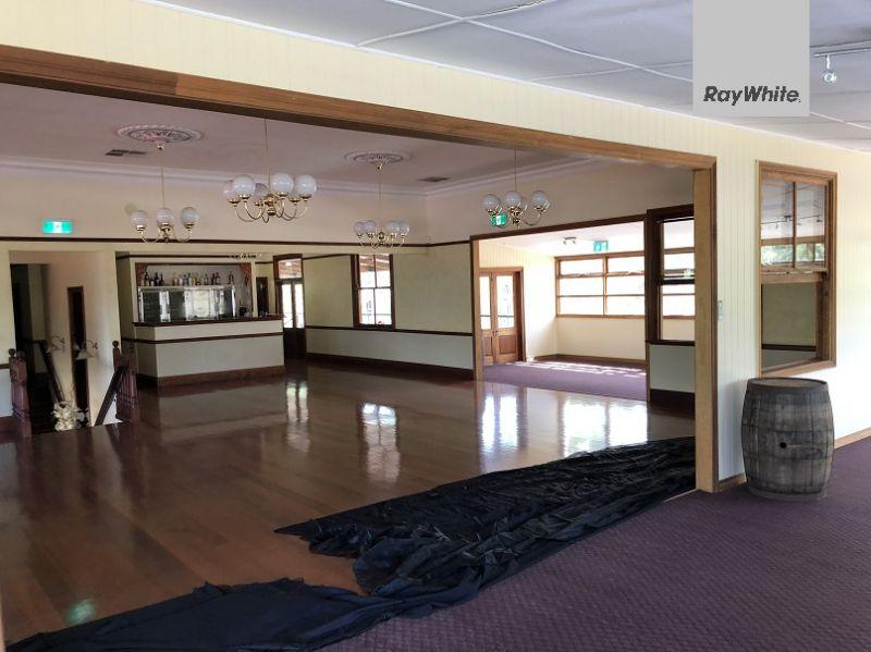 Unique Commercial Hotel & Function Centre