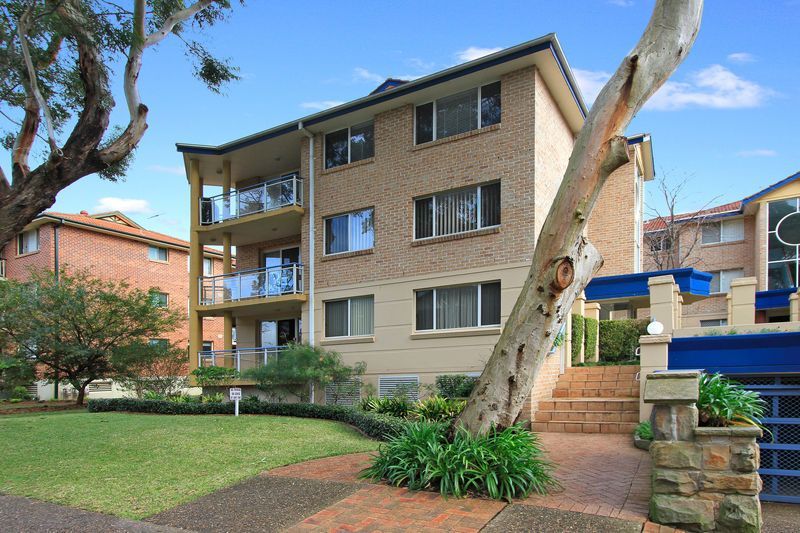 GREAT UNIT - MINUTES WALK TO GYMEA