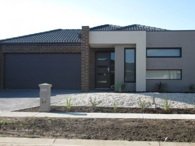 Spacious Single Storey 4 Bedroom Home!