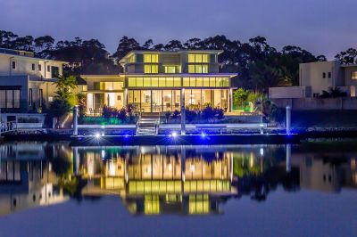 Calling all Boaties 21m Pontoon Built for 80ft Super Yacht