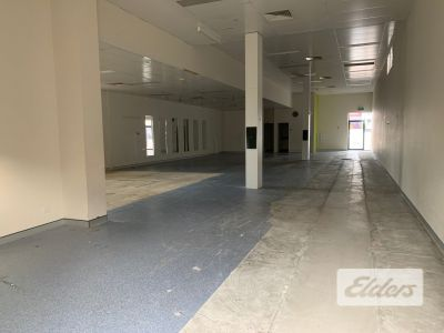 FUNCTIONAL WAREHOUSE - RARE OPPORTUNITY!