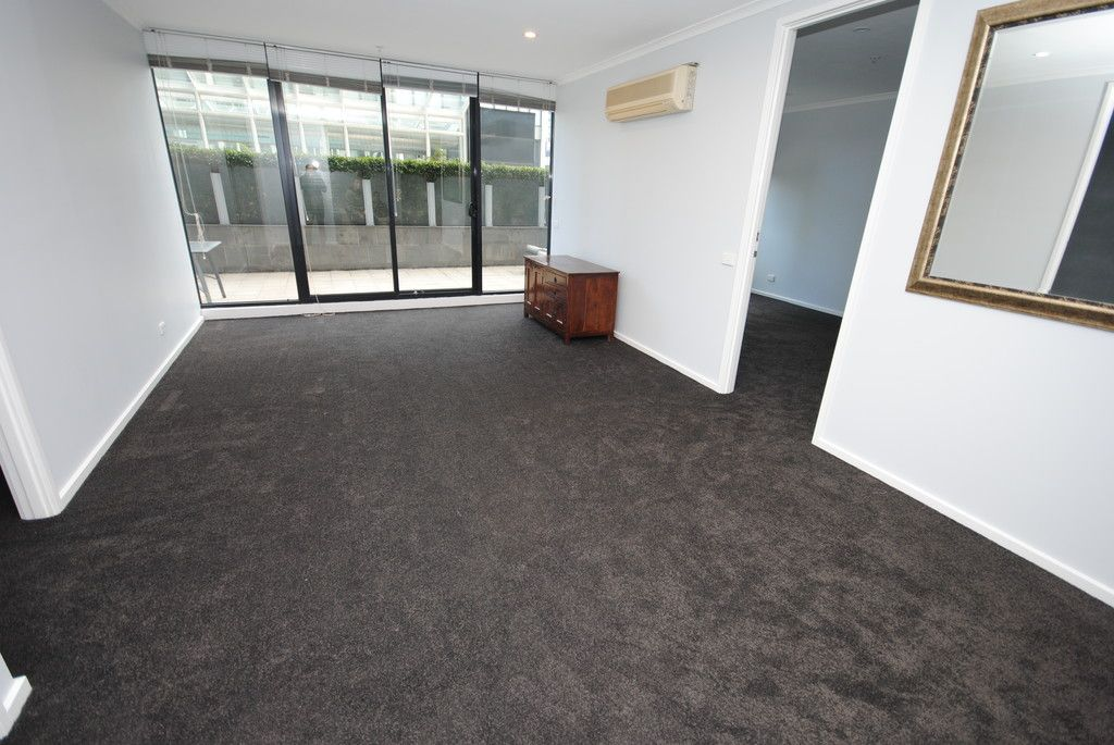 The Metro: 3rd Floor - Large Private Terrace!