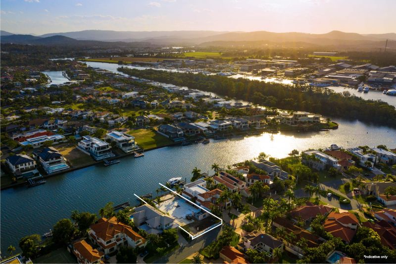 RARE SUBLIME 1,040m2, GRAND CANAL OPPORTUNITY - CREATE YOUR DREAM LIFESTYLE