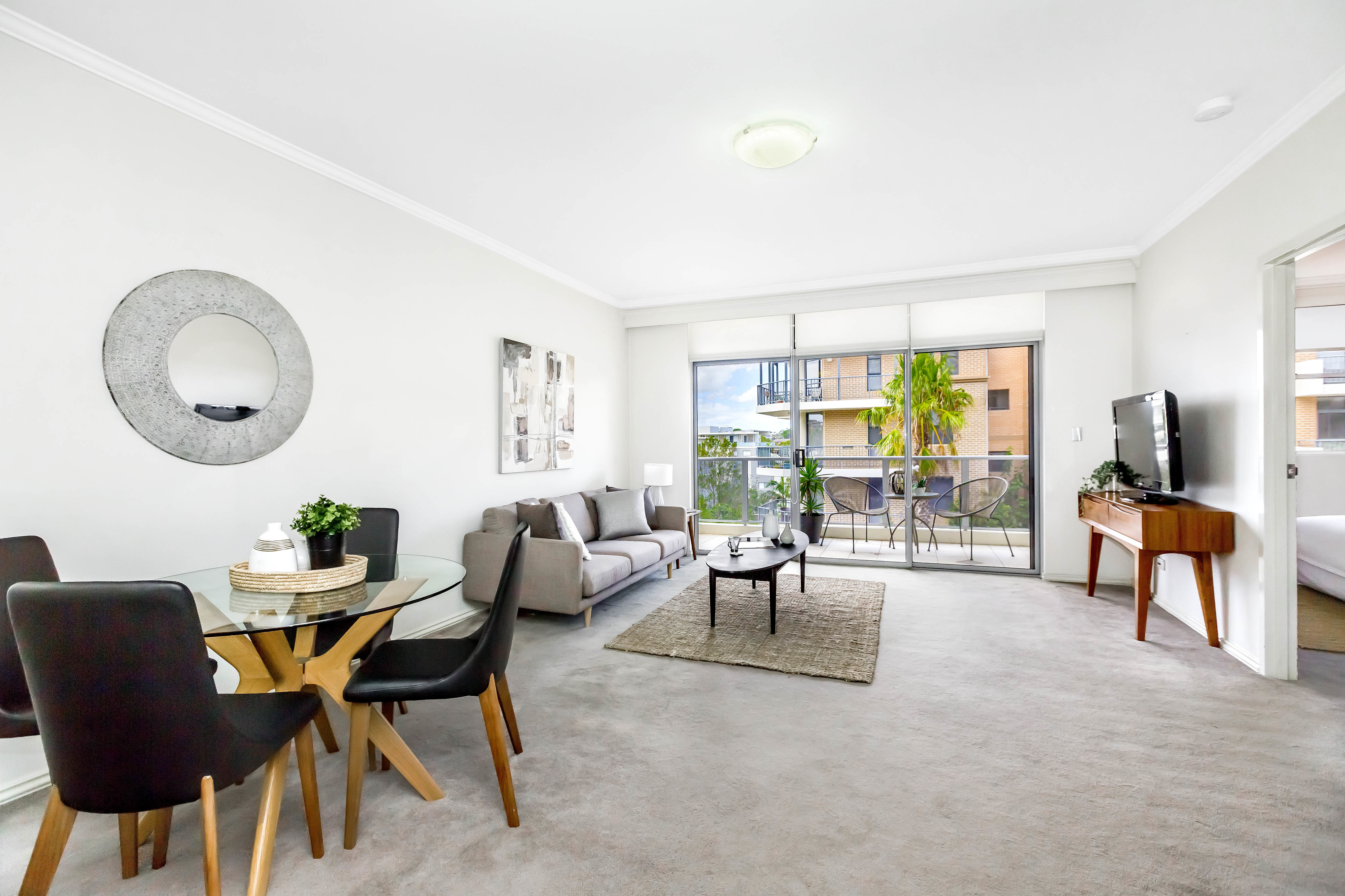 107/1 Dolphin Close, Chiswick