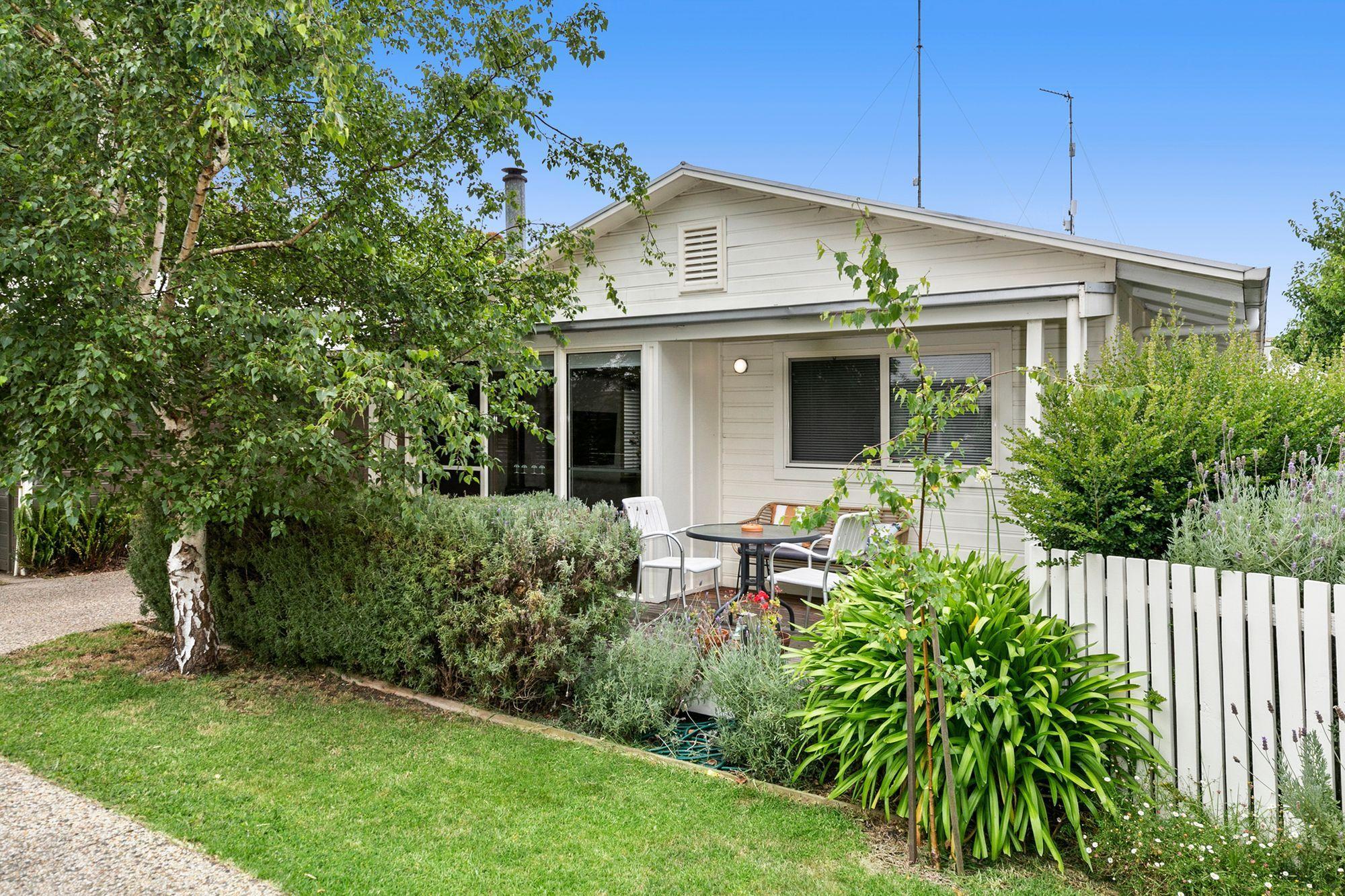 2/5-7 Geelong Road, Barwon Heads VIC 3227