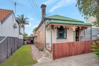 Sold record $1,535,000 Michael Michos 0412 877 086