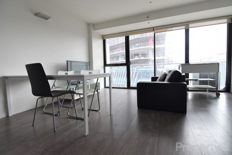 Two Bedroom Furnished Apartment on Spencer!