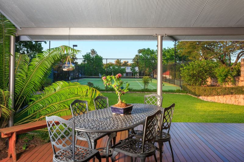 29 Neulans Road, Indooroopilly