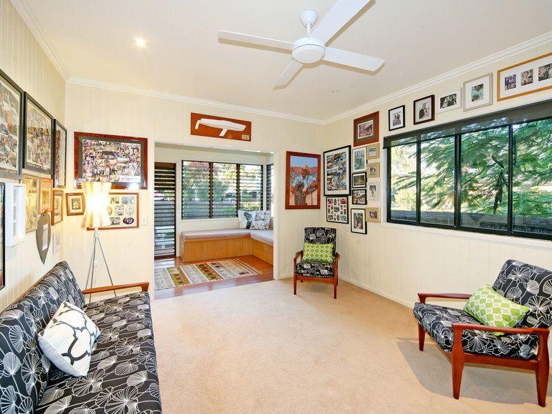 9 Laburnum Crescent, Noosaville QLD 4566