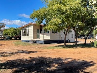Townhouse & shed on large block for sale