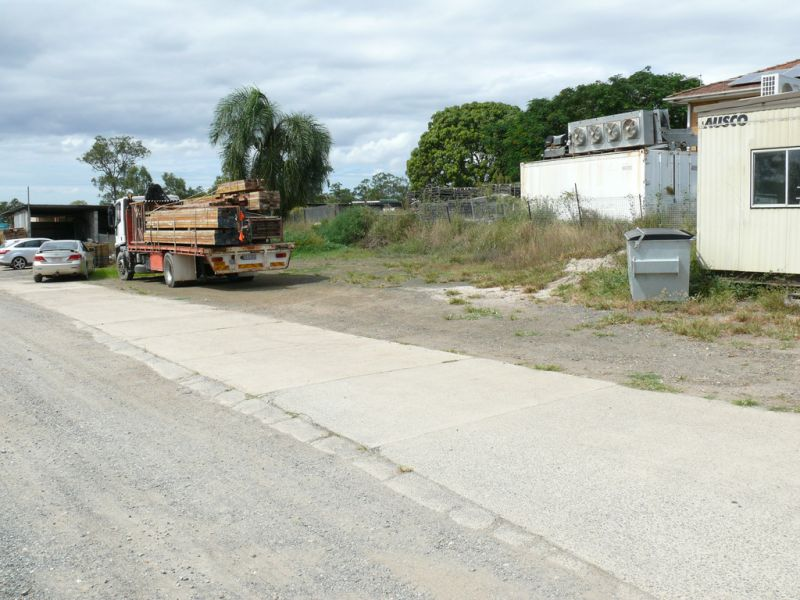 Site Shed On 300m2* Hardstand