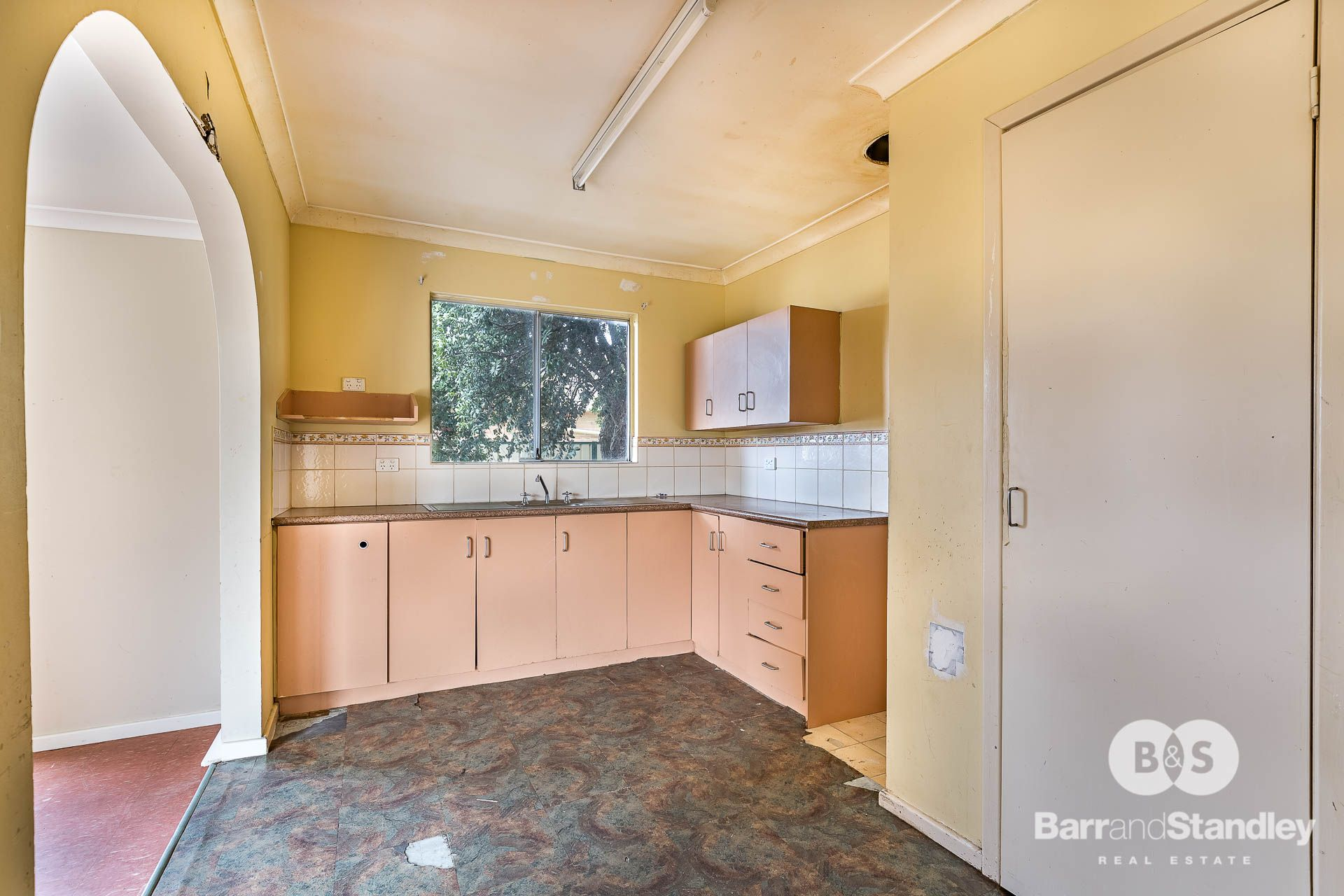 16 Wallrodt Crescent, Glen Iris