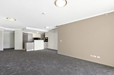 MODERN 3 BEDROOM UNFURNISHED APARTMENT IN TRILOGY with brand new carpets