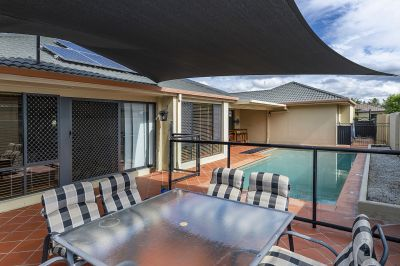 17 Dallow Crescent, Helensvale
