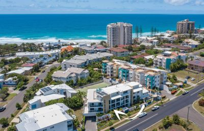 Central Coolum 2 & 1 Bedroom in a tropical resort