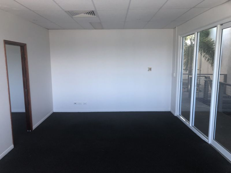First Floor Office with Exposure to Discovery Drive
