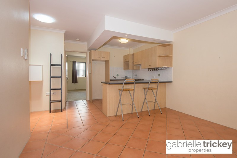 2 Bed Unit with Air Conditioned Lounge