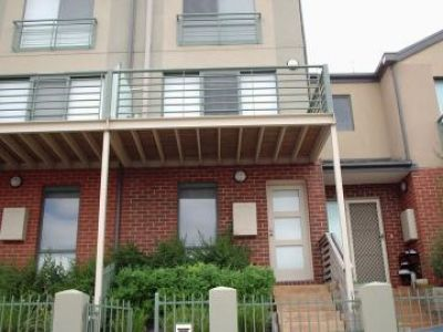 Well presented townhouse in the heart of Maribyrnong!