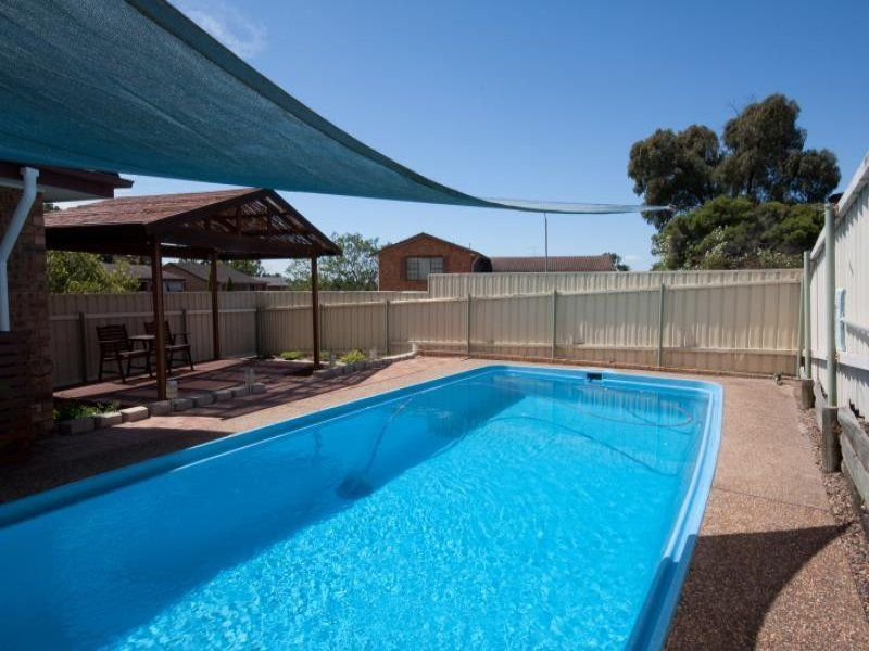 24 Cunningham Parade, Singleton Heights