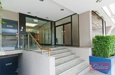 82M2 TOP LEVEL OFFICE WITH CITY VIEWS!!