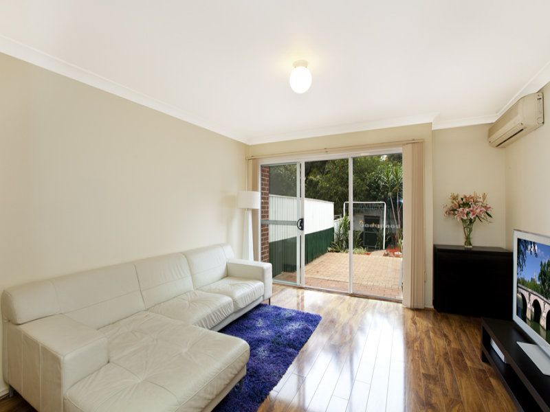 13/2 Station Avenue Concord West 2138