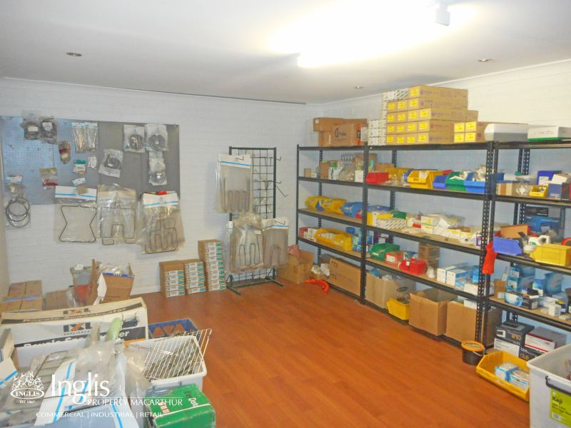 FULLY RENOVATED SHOWROOM/WAREHOUSE!!