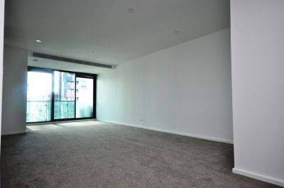 Melbourne ONE: Modern and Spacious Two Bedroom Apartment!