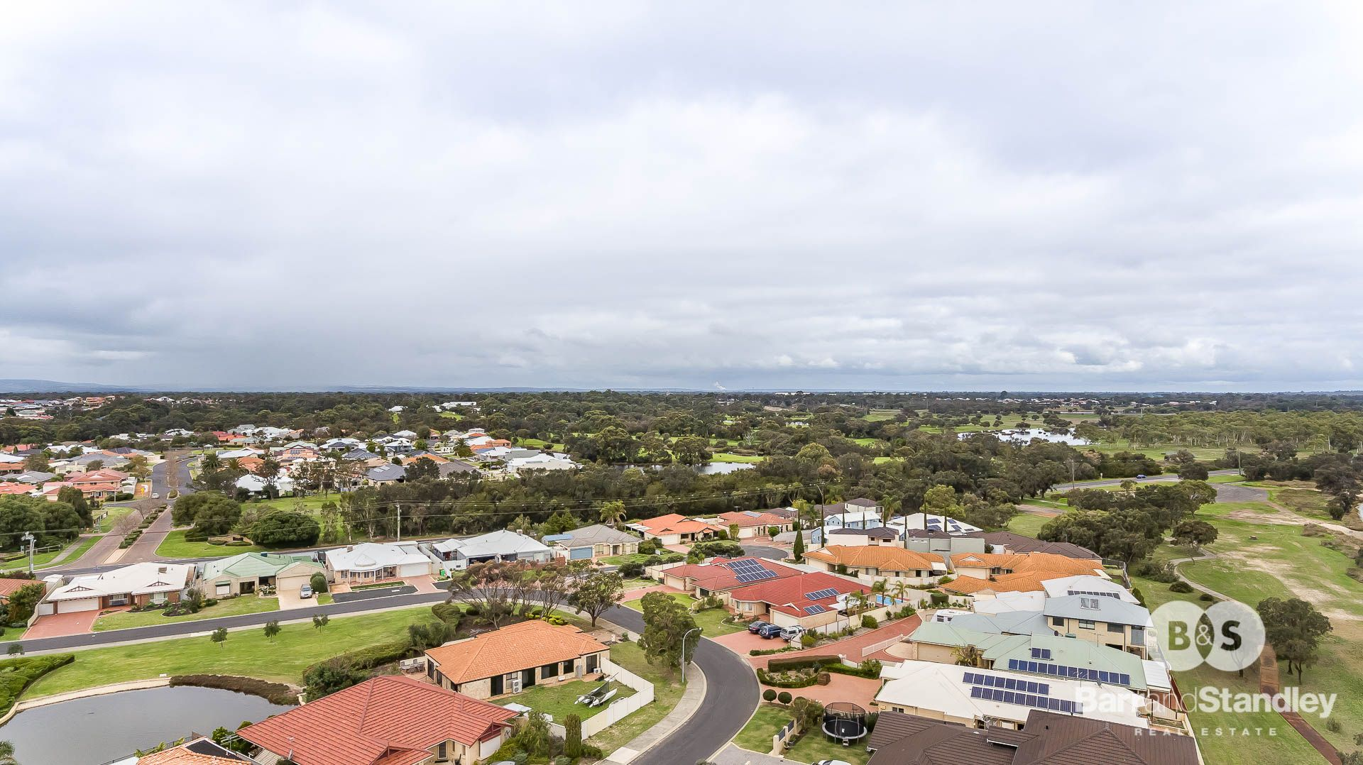 1/6 Kendle Close, Pelican Point