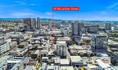 INVESTMENT OPPORTUNITY - PREMIERE VALLEY LOCATION!