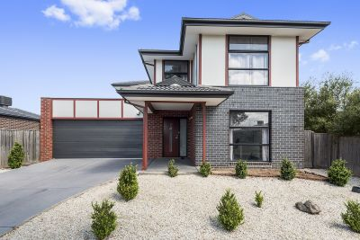 Stylish home in sought after Williams Landing neighbourhood