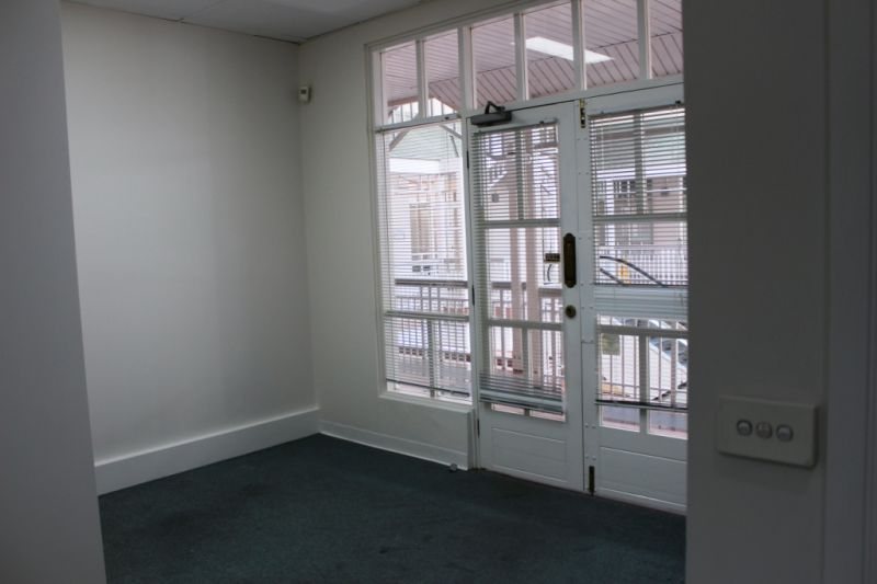 Small Office In Cairns CBD For Lease